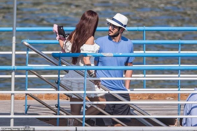 Rihanna va ban trai ty phu tinh tu khi nghi duong o Italy hinh anh 5