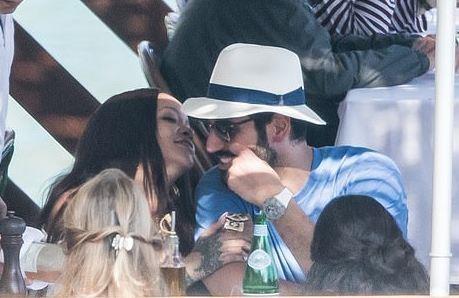 Rihanna va ban trai ty phu tinh tu khi nghi duong o Italy hinh anh 3