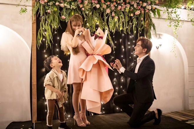 Ca sĩ Thu Thủy và bạn trai kém 10 tuổi cưới vào tháng 7? - Ảnh 1