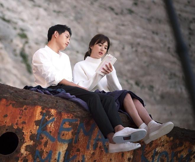 Song Joong Ki de don ly hon, khong thong bao cho Song Hye Kyo hinh anh 1