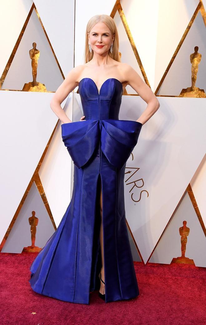 Nicole Kidman hon chong kem tuoi anh 7
