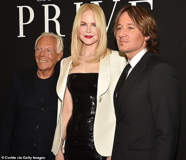 Nicole Kidman hon chong kem tuoi anh 3