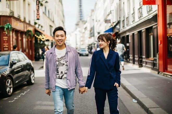 MC Trấn Thành và Hari Won hạnh phúc sau 3 năm kết hôn.