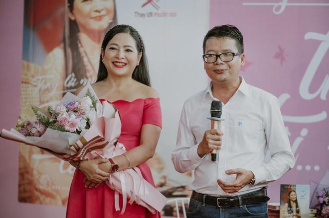 MC Quỳnh Hương ra mắt sách về hành trình 19 năm 'Thay lời muốn nói'