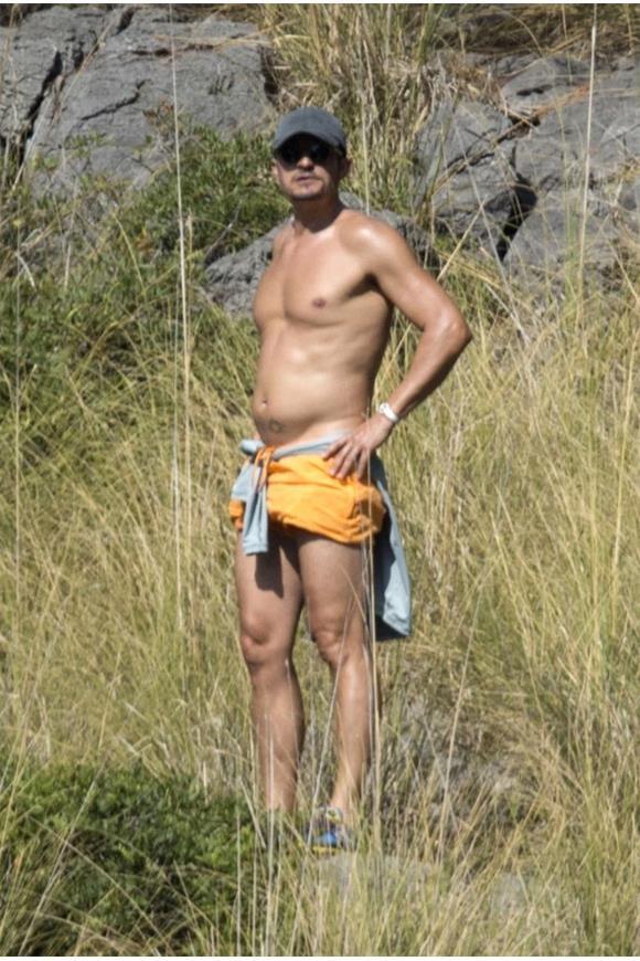 Katy Perry lo than hinh map map,  bung mo khi dien bikini anh 2