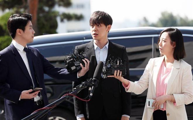 Nghi vấn Park Yoo Chun thông đồng với cảnh sát để thoát tội cưỡng hiếp - Ảnh 1
