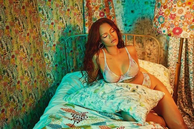 Rihanna dien bikini,  khoe vong mot nong bong anh 1