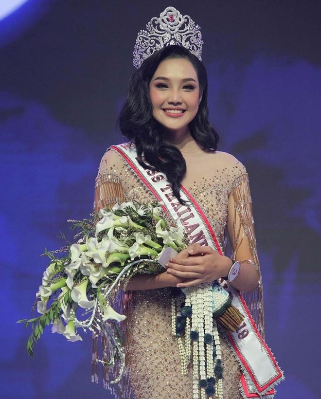 Nhan sac 9X Thai Lan la doi thu cua Luong Thuy Linh o Miss World 2019 hinh anh 3