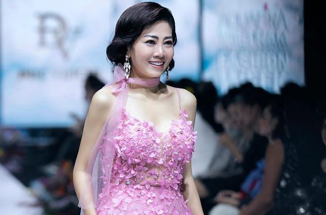 Mai Phuong buc xuc vi bi ke xau mang chuyen benh tat de lua dao hinh anh 1