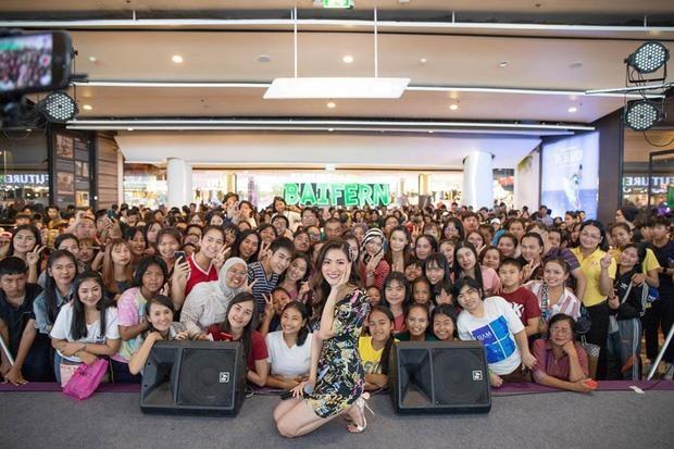 Mỹ nhân Thái Lan khoe vẻ đẹp 'không góc chết' tại sự kiện