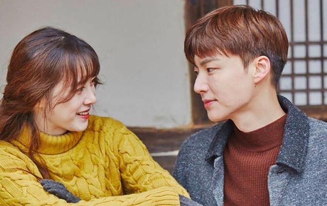 Ahn Jae Hyun lan dau len tieng ve nhung on ao ly hon voi Goo Hye Sun hinh anh 2