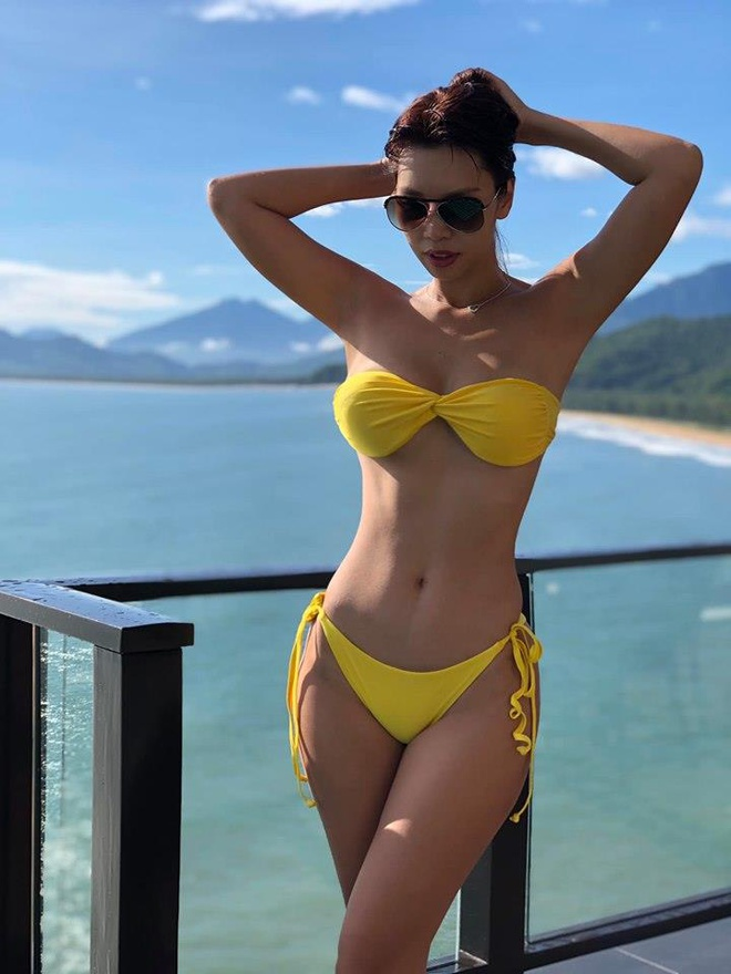 Midu, Ha Anh dang anh dien bikini trong ky nghi le hinh anh 1