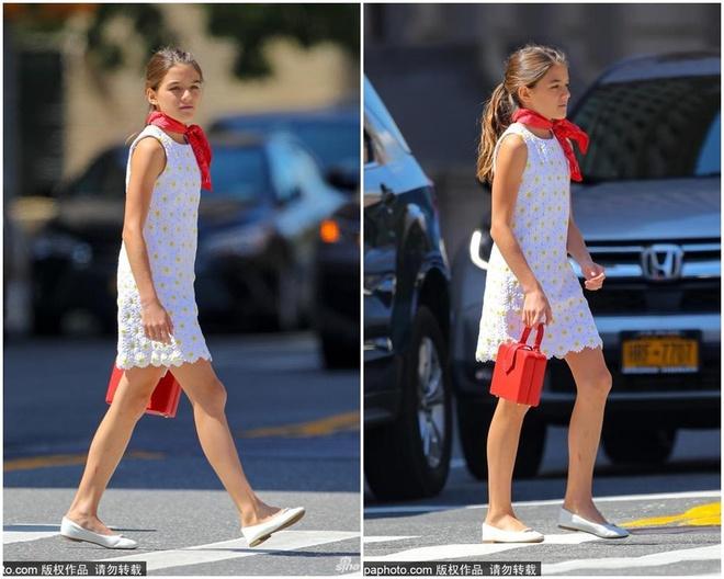 Bé Suri Cruise xuống phố một mình, mặc đồ như quý cô ở tuổi 13