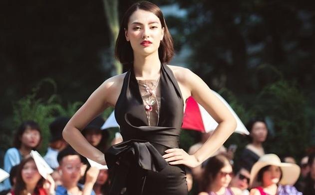 Hồng Quế để lộ vòng 2 lớn, nghi vấn mang thai