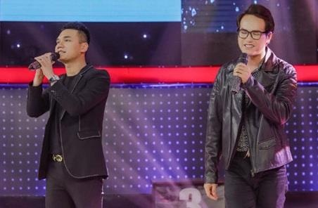 Khac Viet song ca cung em trai Khac Hung o Giong ai giong ai hinh anh