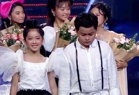 MC Nguyen Khang cong bo nham ten quan quan Giong hat Viet nhi hinh anh