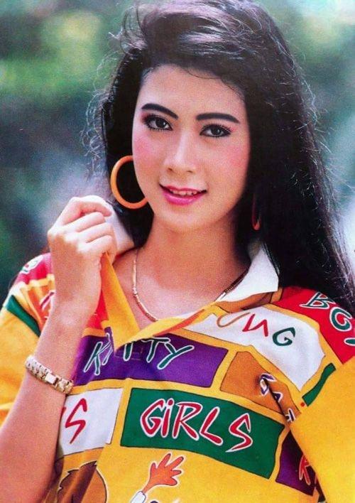 Nhan sac thoi son tre cua Diem Huong hinh anh 5