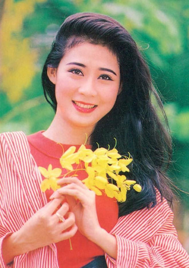 Nhan sac thoi son tre cua Diem Huong hinh anh 12