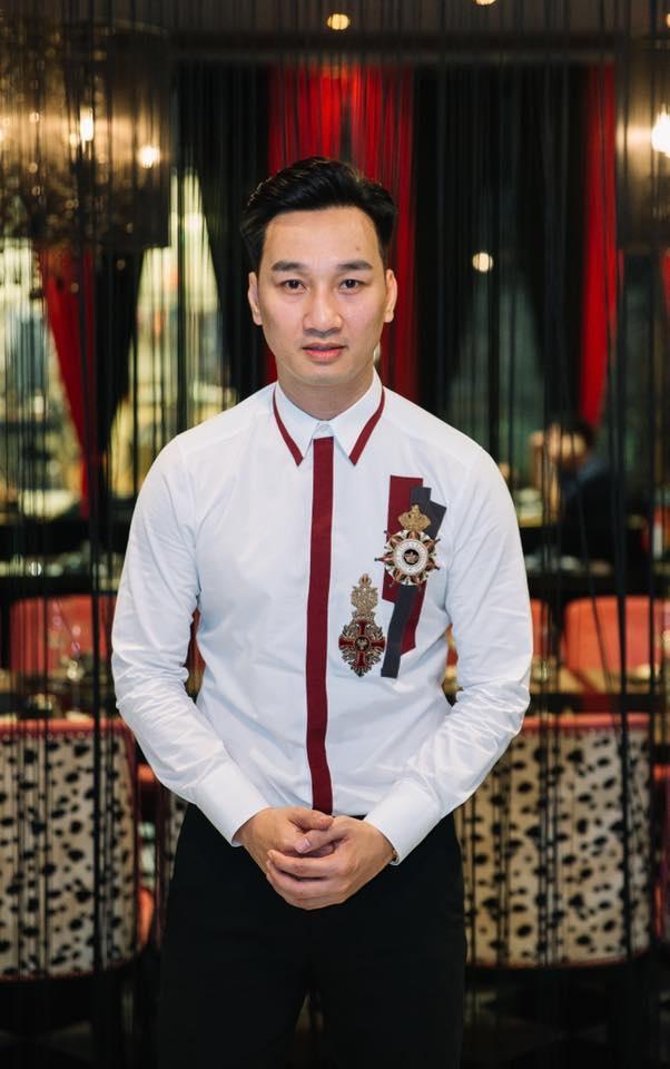 Dong Nhi, Ong Cao Thang va dan sao tin U22 Viet Nam thang Campuchia hinh anh 2