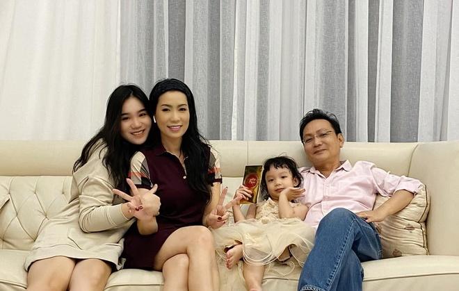Ben trong biet thu trieu USD cua Thuy Hanh, Trinh Kim Chi ngay Tet hinh anh 8 chi8.jpg
