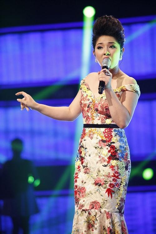 Top 6 Vietnam Idol 2012 – nguoi noi tieng, nguoi ve que chan lon hinh anh 9 baotram.jpg