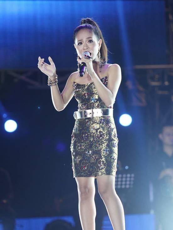 Top 6 Vietnam Idol 2012 – nguoi noi tieng, nguoi ve que chan lon hinh anh 5 hoanguqu.jpg