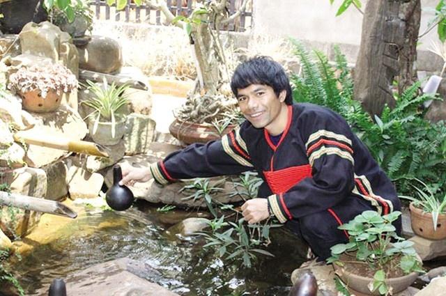 Top 6 Vietnam Idol 2012 – nguoi noi tieng, nguoi ve que chan lon hinh anh 3 ya4.jpg