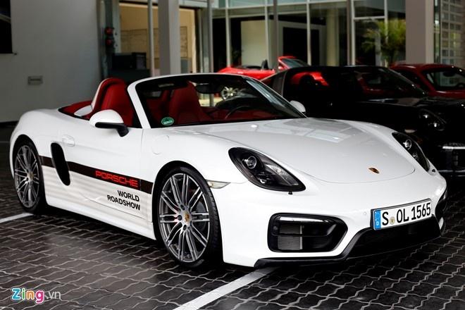Tong Giam doc Porsche VN: 'Thue cao, sieu xe se tang gia' hinh anh