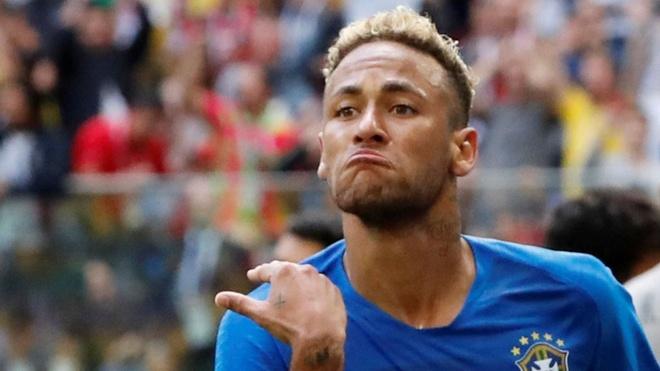 Neymar se khong len chuyen xe voi Ronaldo, Messi? hinh anh