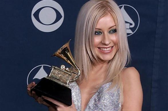 9 nghe si thang giai Grammy khi chua tron 20 tuoi la ai? hinh anh 6 christina_aguilera_best_new_artist_grammy_getty_images.jpg