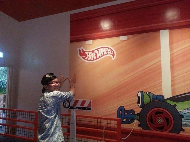Tan huong Disneyland Hong Kong voi Hot Wheels 2014 hinh anh