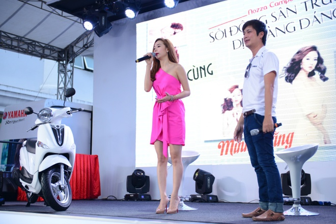 Minh Hang quay sung cung Nozza Campus Tour hinh anh