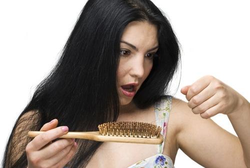Nhung thu pham gay rung toc o nu gioi hinh anh 4 Lượng tóc rụng hàng ngày được nghiên cứu là do vòng tuần hoàn sinh trưởng của tóc.