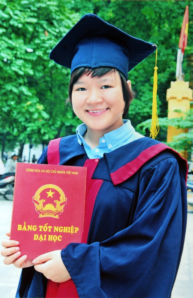 10 guong mat tre gop mat tai Giai thuong Khoa hoc VN 2014 hinh anh 4 Nguyễn Phương Thúy.