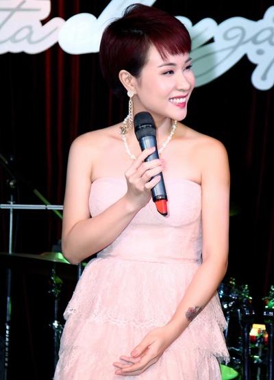 Dan sao Viet hoi tu trong liveshow 'Bai hat Viet' cuoi nam hinh anh 1 Uyên Linh sẽ xuất hiện trong chương trình Bài hát Việt với ca khúc Như giọt sương rơi.