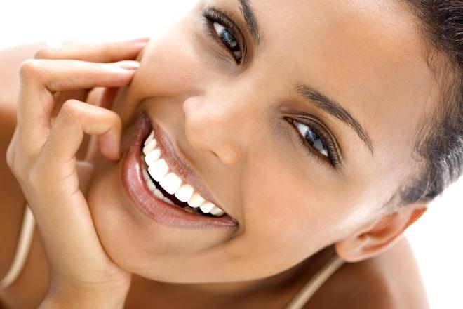 """Vi sao rang moc chen chuc? hinh anh 1 Một hàm răng đẹp khi các răng """"xếp hàng"""" một cách trật tự."""