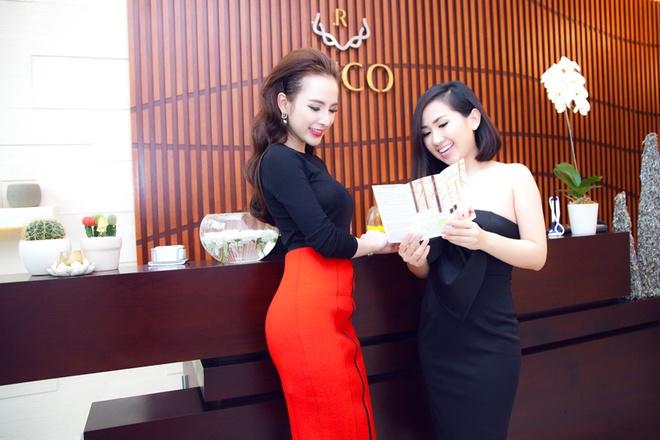 Angela Phuong Trinh than thiet voi Tram Ruco hinh anh 8