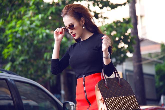 Angela Phuong Trinh than thiet voi Tram Ruco hinh anh 1