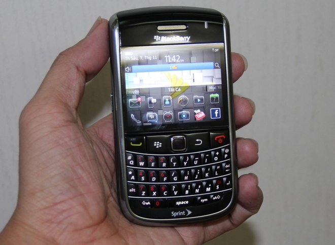 5 uu diem cua Blackberry 9650 gia 1,3 trieu dong hinh anh