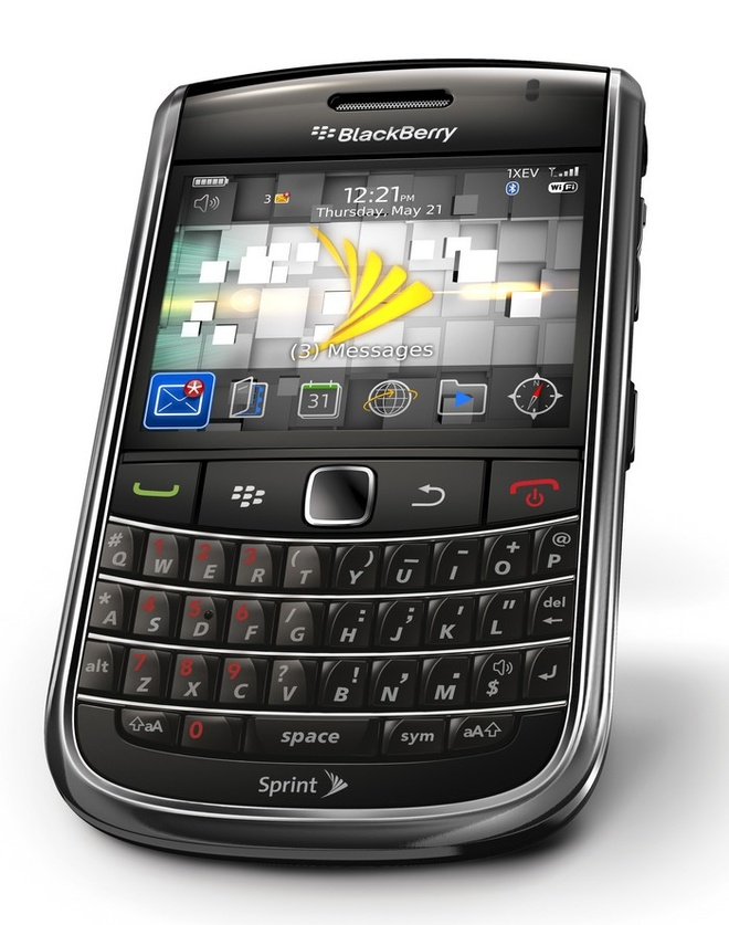 Blackberry 9650 nhap tu My gia 1,3 trieu dong hut khach hinh anh 1
