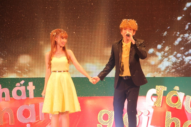 """Kelvin Khánh """"đổ"""" ngay lập tức và cặp đôi cùng song ca bài hát Khe khẽ lời yêu."""