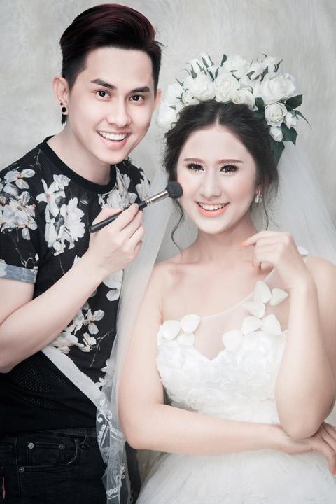 Phong cach trang diem co dau nhe nhang cua Khai Thien hinh anh 8 Chuyên gia trang điểm Khải Thiên đưa ra nhiều ý tưởng make up nhẹ nhàng, nữ tính và ấn tượng cho các cô dâu.
