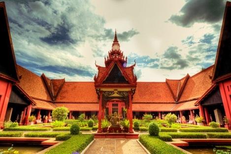 Den Campuchia tham than ran Naga dip 30/4 hinh anh