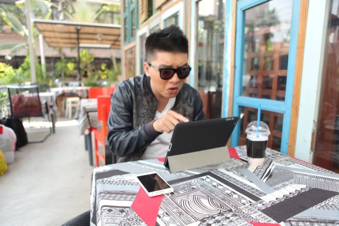 VJ Ngoc Trai: 'San sang lam mat xau de lay long fan' hinh anh
