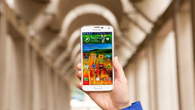 5 smartphone cau hinh cao, gia tot trong thang 4 hinh anh