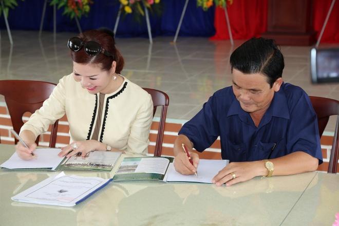 Hoa hau Quy ba Bui Thi Ha giup do nguoi dan tinh Bac Lieu hinh anh 4 Hoa hậu Bùi Thị Hà luôn tích cực hoạt động từ thiện và hỗ trợ cộng đồng ở nhiều vùng miền trên cả nước.