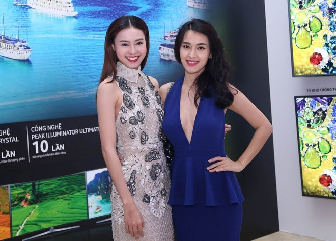 Victor Vu thu suc lam phim ngan chu de sac mau hinh anh 2 Tú Vi và Ninh Dương Lan Ngọc lộng lẫy trong buổi ra mắt dự án.