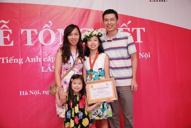 Co ban quan quan Olympic tieng Anh mo uoc lam nha van hinh anh 3 Gia đình đóng vai trò rất lớn giúp Hiền Anh học tốt tiếng Anh.