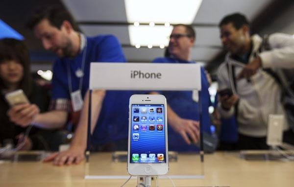 iPhone 5 lock Nhat, My gia 2,9 trieu dai nao thi truong Viet hinh anh 1 iPhone 5 tại cửa hàng Apple tại Mỹ.