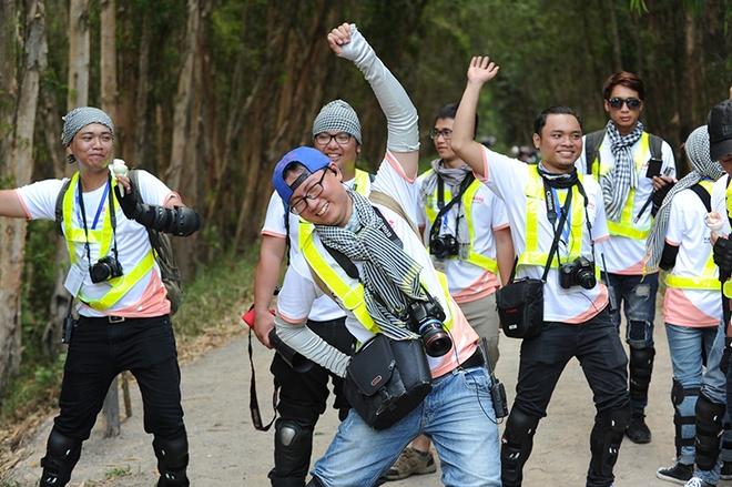 Sau khi tranh thủ tới cửa khẩu Tịnh Biên, nhóm tới rừng Tràm Trà Sư, một di tích lịch sử và điểm du lịch nổi tiếng.